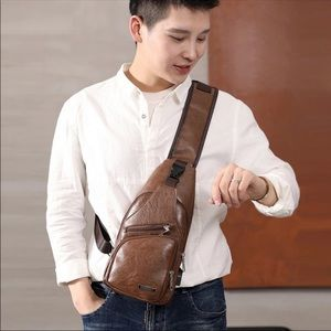 Other - Mens Leather Crossbody